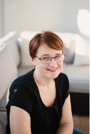 Ashley Barnett,, Content and Blogging Coach, Money Under 30 PT Money, and Choose FI